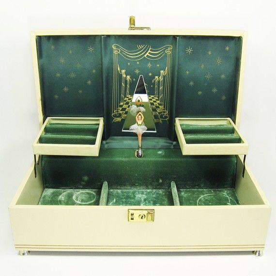 Creative Green Interior Yellow Exterior Locking Musical Jewelry Box