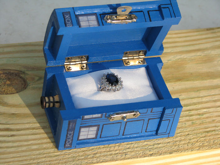Creative Doctor Who Box Blue Engagement Ring Box