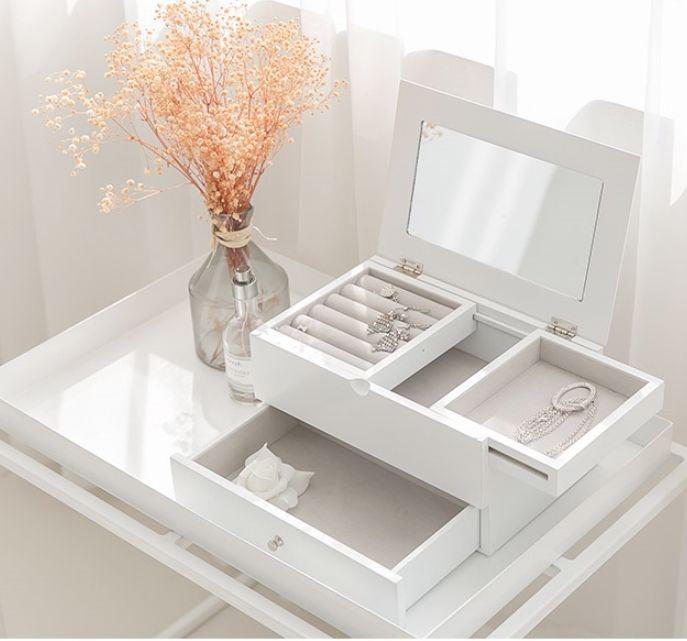 Beautiful Minimalist White Mirrored Countertop Jewelry Box