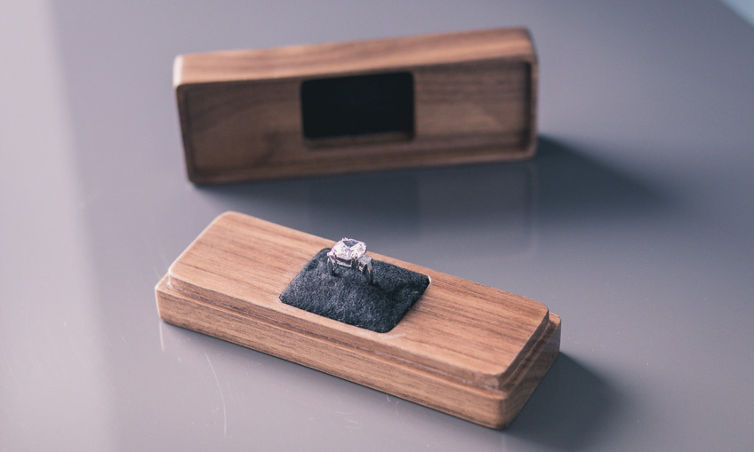 Creative Wooden Slim Engagement Ring Box