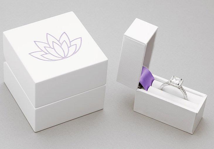 25 beautiful engagement ring boxes zen merchandiser for Slim engagement ring box