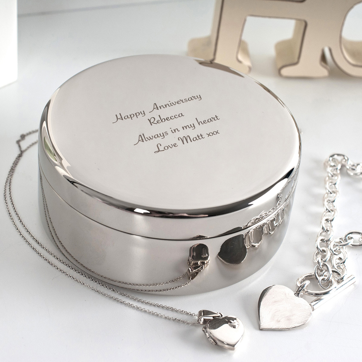 Beautiful Pure Silver Mirrored Round Jewelry Gift Box