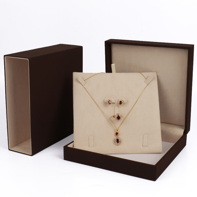 25 Beautiful Necklace Boxes Zen Merchandiser