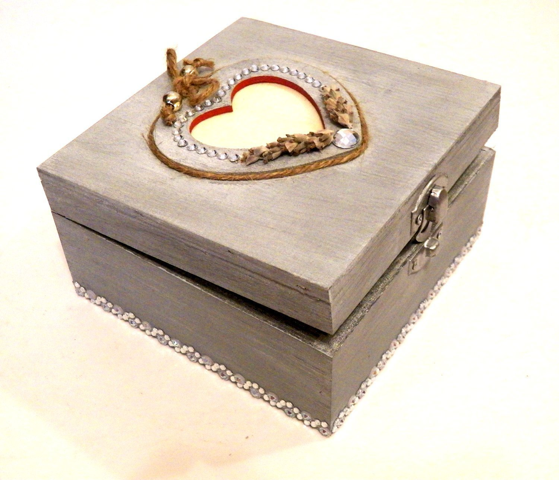 Rustic Creative Medium Heart Inscribed Engagement Ring Holder