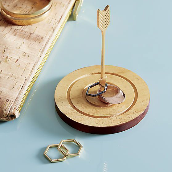 Creative Wooden Arrow Ring Holder with Dish