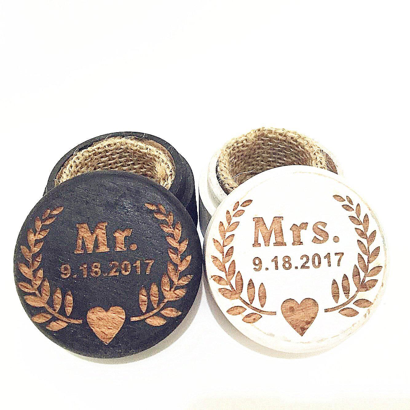 Cute Rustic Wooden Jars Linen Interior Wedding Ring Holders