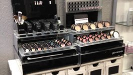Beauty & Makeup Displays