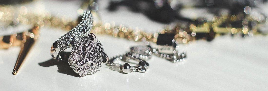 Creative Necklace Display Ideas